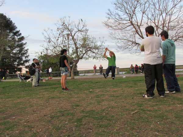 Teaching-slackline-Rosario