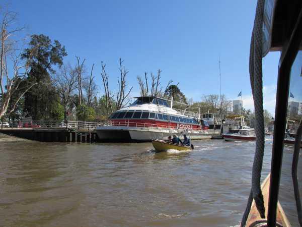 boats-tigre-river