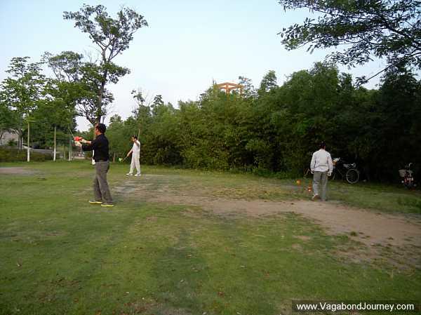 Chinese yo-yo in park