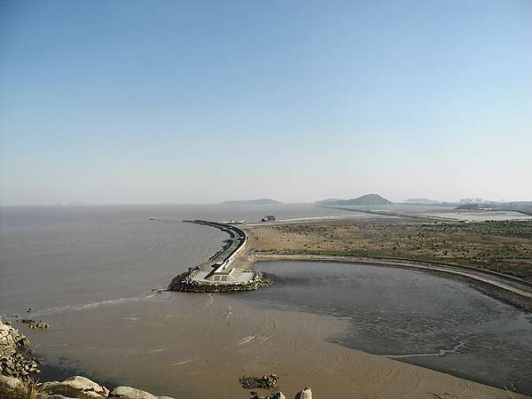 Land reclamation in Yangshan