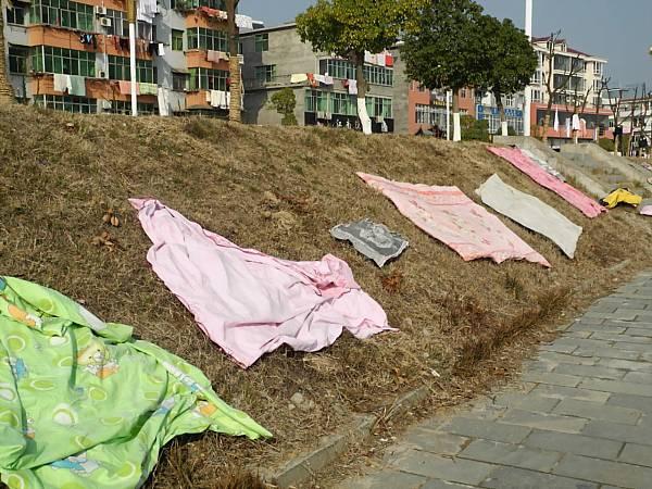 solar-disinfecting-china-laundry