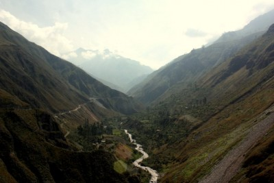 jumping off bridges in Peru