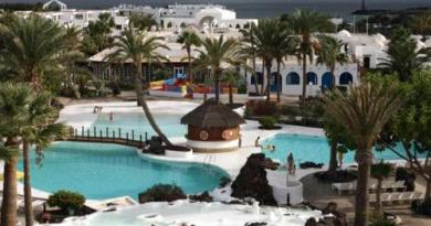 resorts in costa teguise