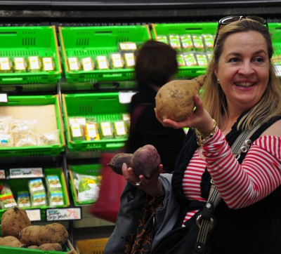 Food tour guide Stephanie Cutfield expounds on kumara, the prized New Zealand sweet potato. Photo by Katherine Rodeghier