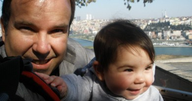 Dad and daughter in Istanbul