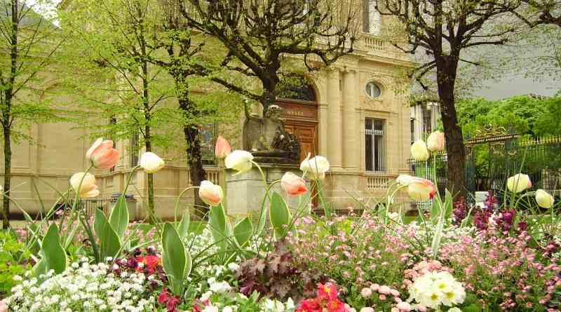 Bourdeaux Flower Garden