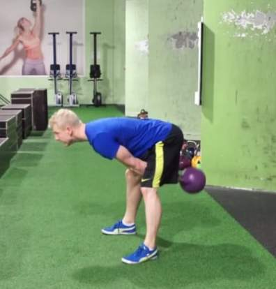 kettlebell swing for explosive core 2