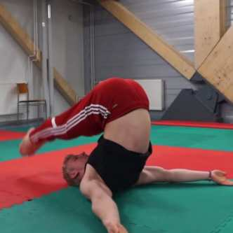 shoulderstand leg raise