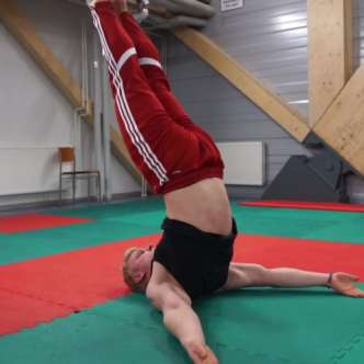 Conor Mcgregor workout shoulderstand leg raise