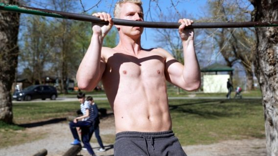 overhand pull up for brachioradialis