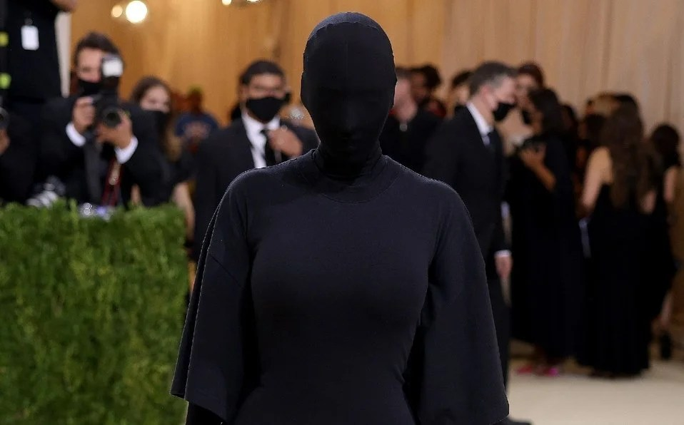 Kim Kardashian sorprendió en la MET Gala 2021