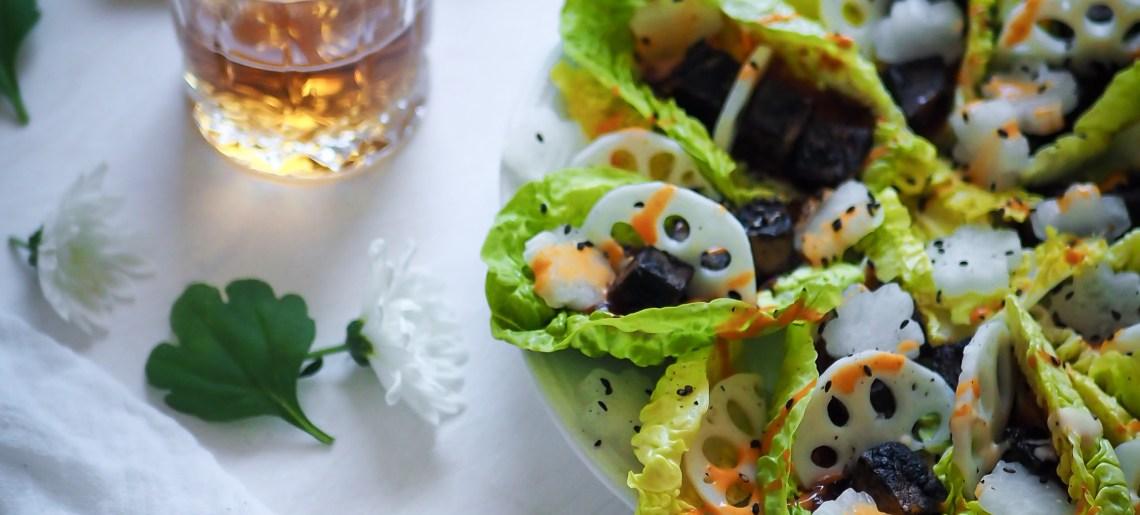 Salaattiveneet vol. 3: musta seesamitofu & lootus