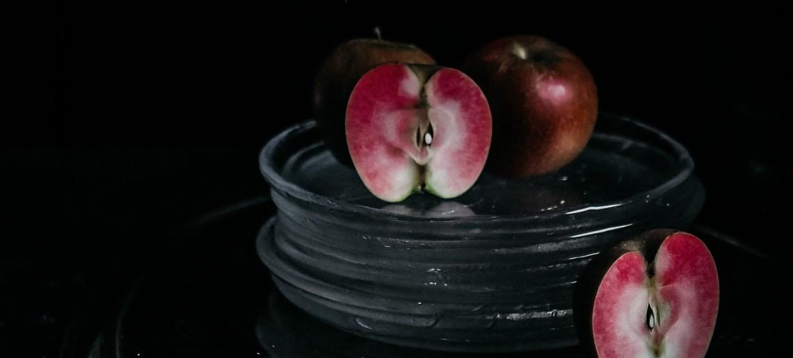 Löytö: vaaleanpunainen omena