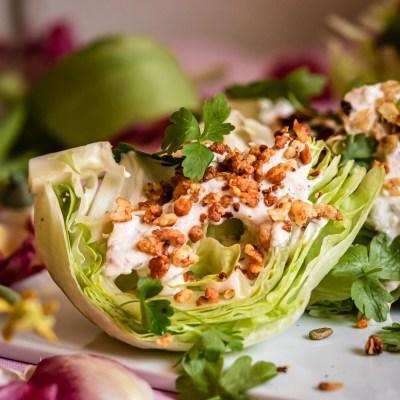 Wedge salaatti & jugurtti-kombucha ranch