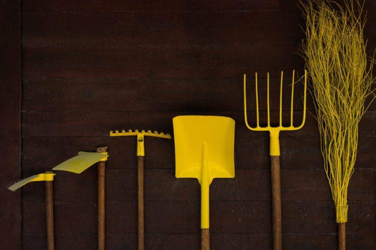 photo d'outils de jardinnage