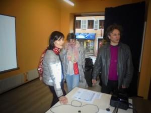 Anne Fassel, praticienne du shiatsu et Sylvain Meyer en préparation de la conférence