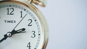 bagaimana mengatur waktu trading binary option