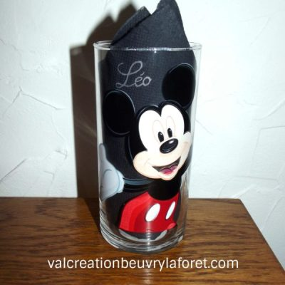 gravure-mickey-coloré-verre-enfant-gravure-prenom-disney