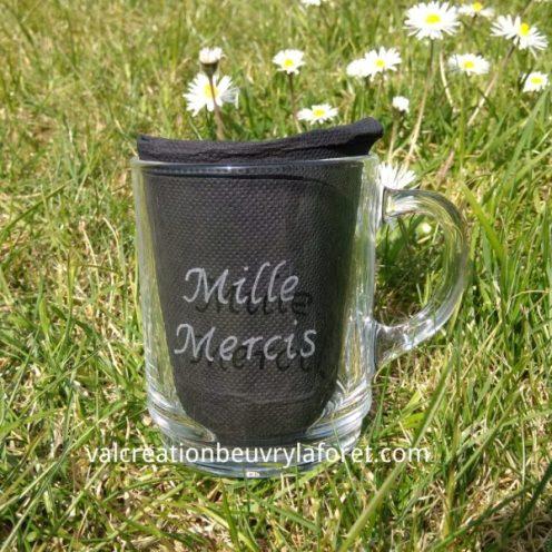 mug-a-café-thé-en-verre-gravure-mille-mercis-pour-soignant-maitresse-atsem-nounou
