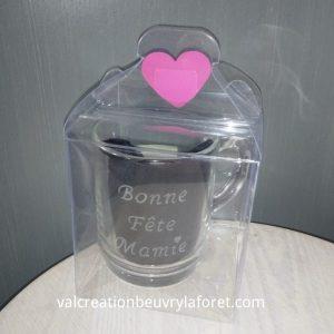 coffret-mug-gravure-bonne-fete-mamie-coeur-rose