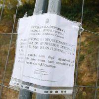 La Rubrica dei Disastri - Il Comune di Monteriggioni chiede che siano abbattuti gli abusi a UOPINI… I residenti ringraziano Don Brunetto