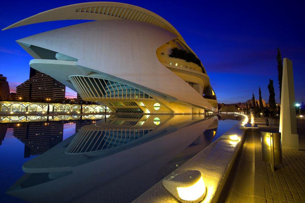 Jornadas nocturnas de puertas abiertas en Les Arts con ópera, conciertos y espectáculos