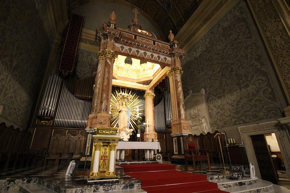 ¿Sabías que la Catedral de Valencia tuvo un baldaquino entre 1941 y 1974 obra de Taverner?