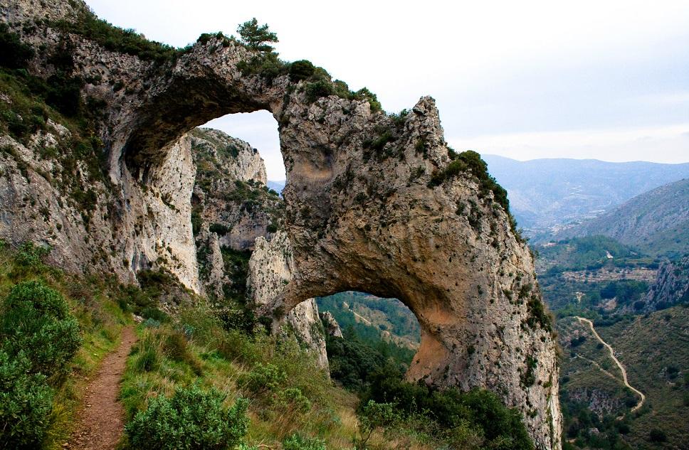 Recorrido por una de las maravillas de la Comunitat Valenciana: els Arcs d'Atanços
