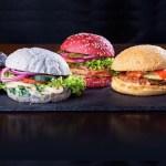 Rainbow Burger Valencia: la hamburguesería con carnes exóticas y panes de colores