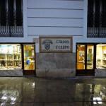 Cirios Felipo: un comercio histórico, fundado en 1912, situado en la calle Navellós de Valencia