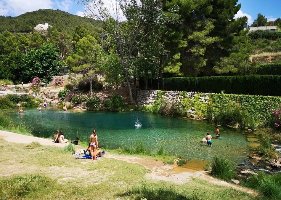 El Azud de Tuéjar, una bella área recreativa para bañarse junto al nacimiento del río Tuéjar