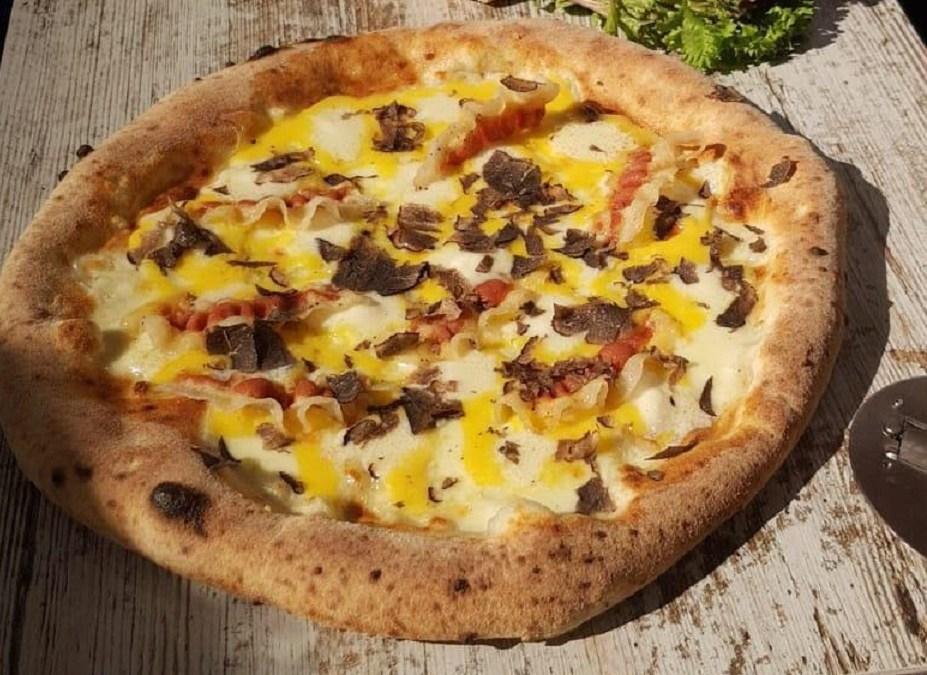 El restaurante valenciano Il Cortile, subcampeón de España de Pizza de Autor