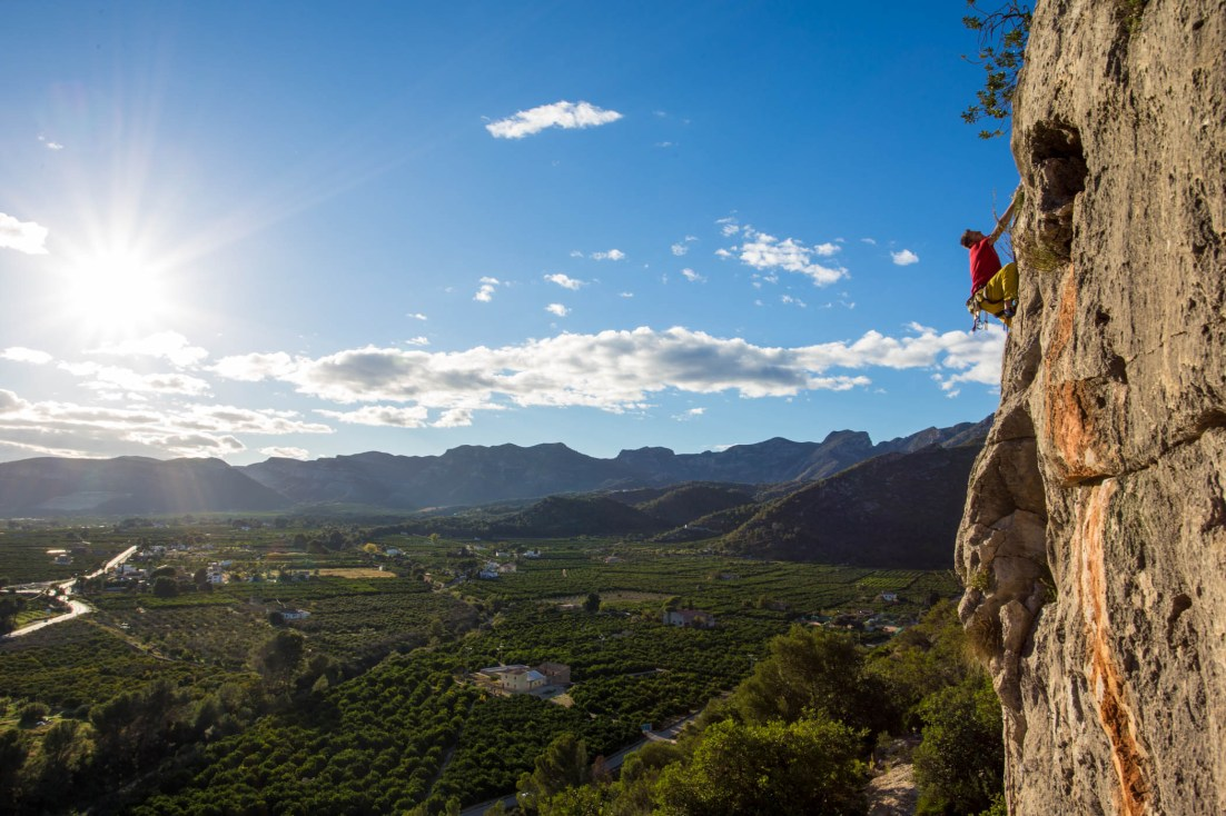 The landscape that offers Marxuquera (Gandia).