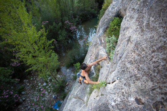 Borja climbing in the Initiation sector of Montanejos.