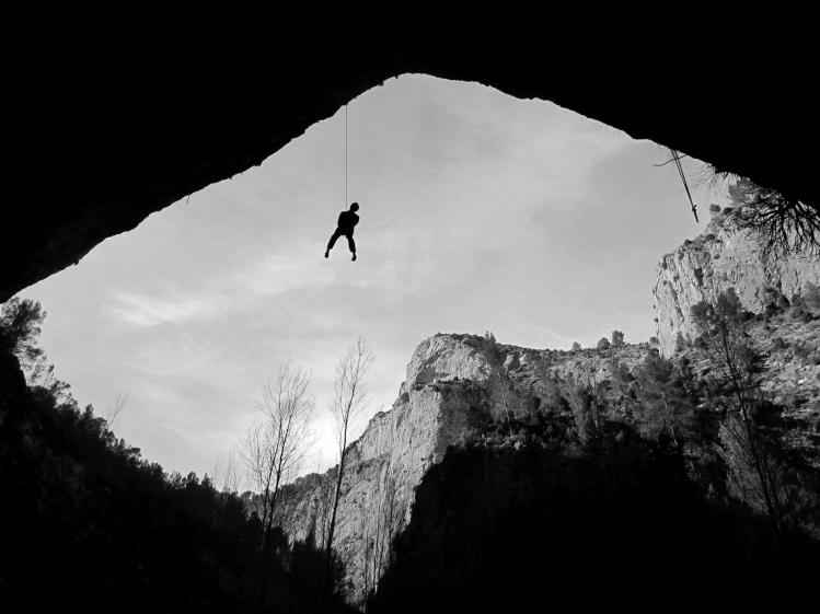 Piotr escalando en el sector Pilas Alcalinas (Montanejos).