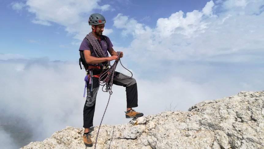 Guiando en la cresta del Benicadell.