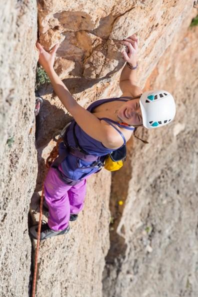 Anastasia escalando con nosotros en el Tallat Roig (Alzira, Dic. 2018).