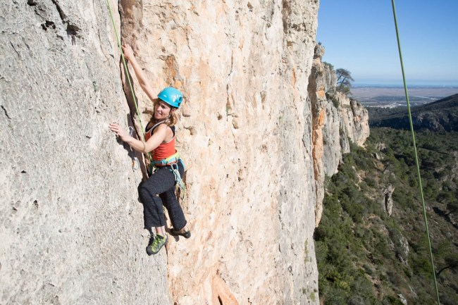 Natalia climbing with us in Tallat Roig (Alzira, Jan. 2019).