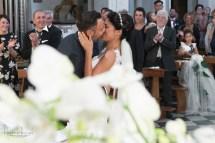 bacio a fine messa