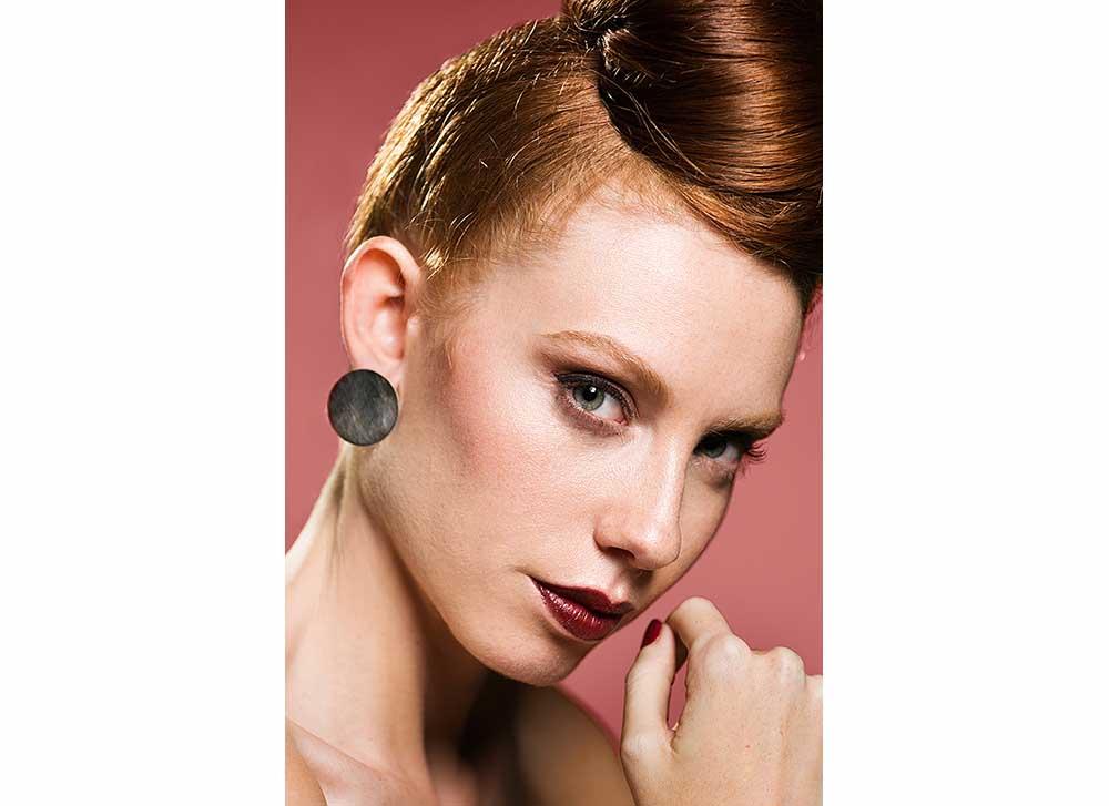 Black flat disk earrings