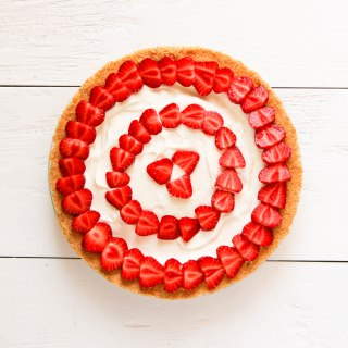 no-bake-cheesecake-with-strawberries