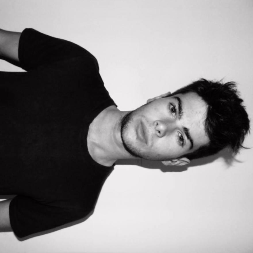 Valetronic Podcast 030  joven artista chileno CARLO PORCILE tech House & Techno. Mix exclusivo
