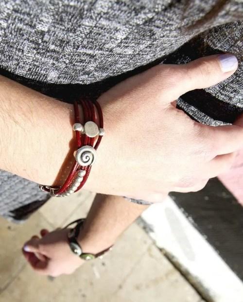 Pulsera de cuero artesanal_leather wrap bracelet