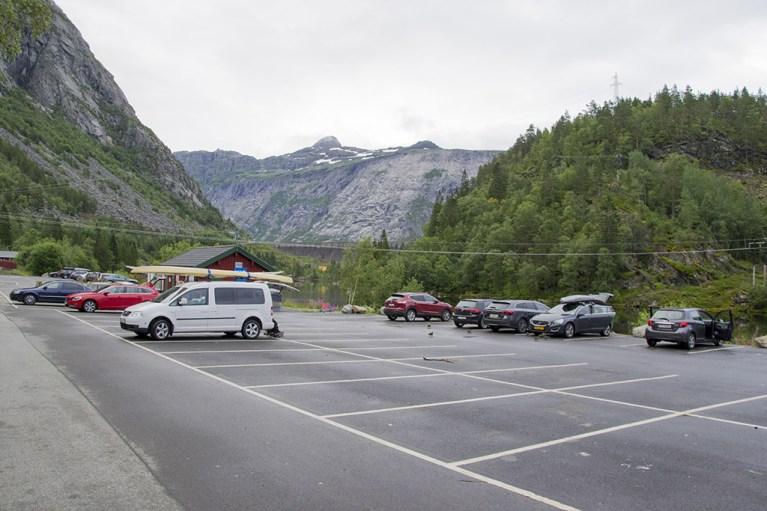 Skejeggedal Trailhead Parking