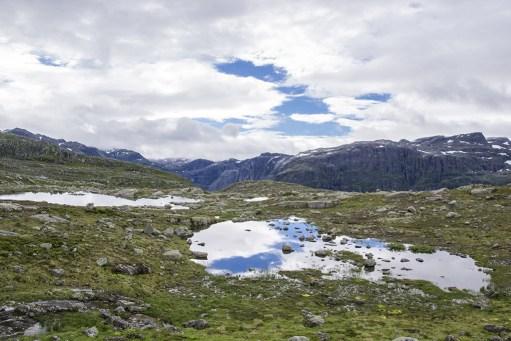 Mountain like Trolltunga