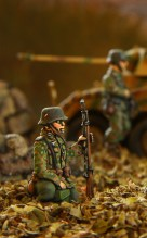 german_infantry_in__'pea_'_cammo