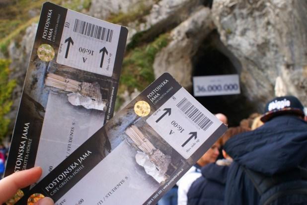 slovenia grotte postumia