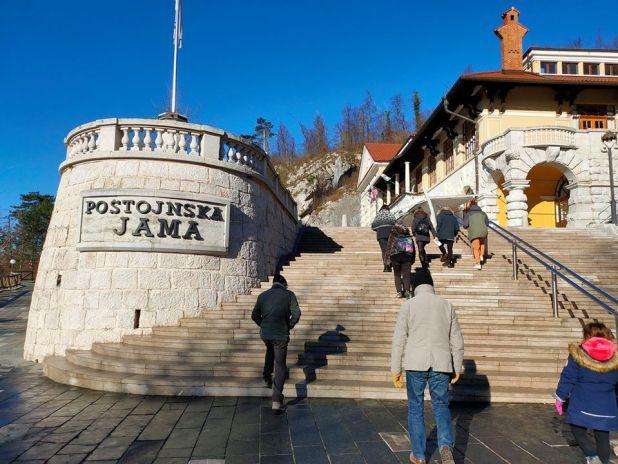 grotta slovenia postumia