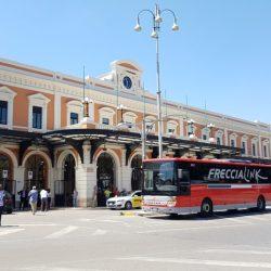 Stazione_Bari_FrecciaLink_valigiamo.it