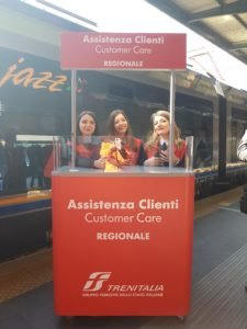 Trenitalia_assistenza_clienti_stazione_Bari